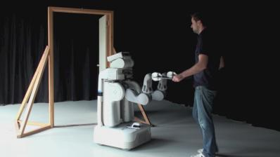 An example:: Human-Robot Comanipulation